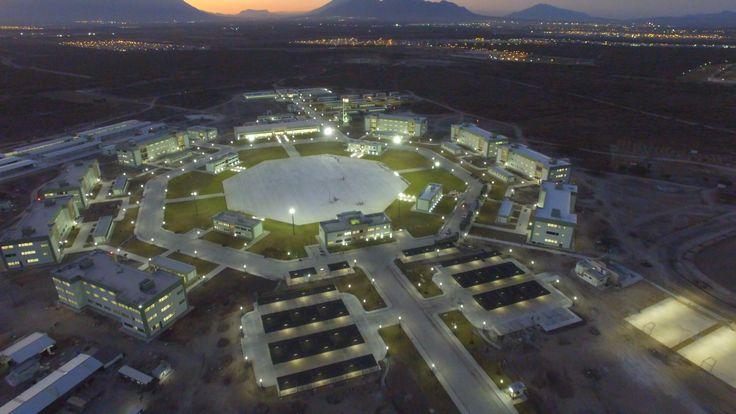 🚧 #CEMEX participe à la #construction d'un  complexe militaire mexicain de haut niveau ! 🚧   •••••••••••••••••••••••••••••••••••••  #maison #rénovation #décoration #architecture #jardin #habitat #réaménagement #gravier #grave #BTP #industrie #Travaux #design #Construction #granulats #bétons #bricolage