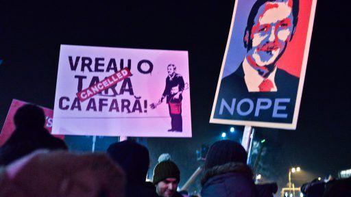 Profesorul Dumitru Sandu, de la Universitatea din București, analizează pentru PressOne fenomenul protestelor din ultimele săptămâni.