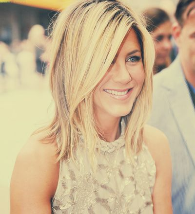 Yup, still love her hairdo!