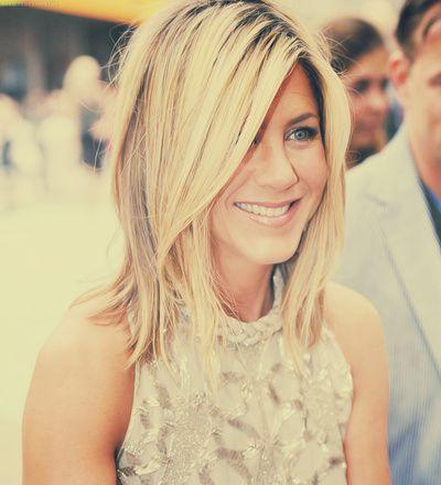 Jennifer Anniston. Hair envy.I am absolutely in love with her hair. Short long dark light. Love it!