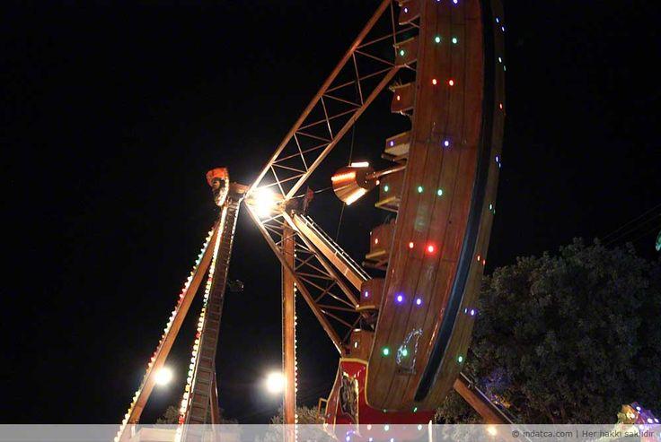 Lunapark Datça'da  Datça girişinde yer alan MM Migros'un bulunduğu dört yol kavşağına 50 metre uzaklıkta kurulu. Merkeze yaklaşık 800-900 metre uzaklıkta. Datça girişinde geceleri ışıl ışıl aydınlatan Lunaparkı Marmaris'ten Datça'ya gelirken sol tarafta görebilirsin.  Neler yok ki Lunaparkta… Atlıkarınca, Gondol, Kamikaze, Dönme Dolap, Çarpışan Araba, Ahtapot (Crazy Dance), Mini Tren.   Afiyetle, keyifle, sağlıkla, Datça'da…