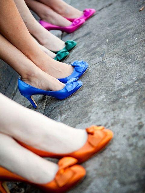 Chaussures demoiselles d'honneur couleurs arc-en-ciel