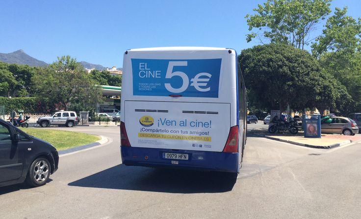 """Campaña de publicidad para el mes de Julio en los Autobuses Urbanos de Marbella para Cinesa La Cañada con motivo de el lanzamiento de la Campaña veraniega """"El Cine, 5 € todos los días y todas las sesiones"""""""