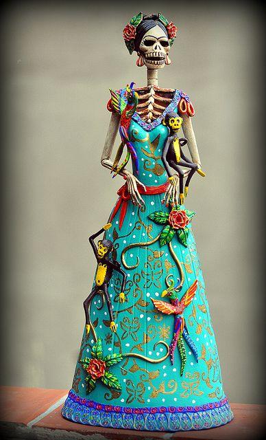 Frida Kahlo Catrina wirh birds and monkeys, VENDIDA- SOLD OUT www.facebook.com/elcatrinero