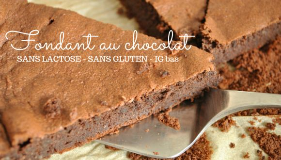 J'en ai testé des recettes de gâteaux au chocolat IG bas ! Mais jamais trouvé une recette qui je n'aime vraiment… J'avais toujours l'impression que le chocolat était cramé après la cuisson au four. Et avec cette recette trouvée sur le blog Le renard et les raisons, elle même issue …