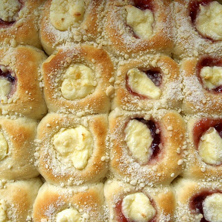 Kolaches - Great recipe for cream cheese filling. Find out more about what else can be put inside the extravagant sweet snacks :)