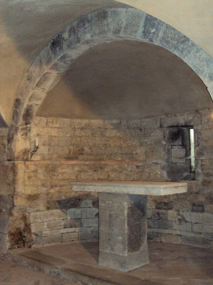 Altare situato nella cappellina della Pieve di San Pancrazio