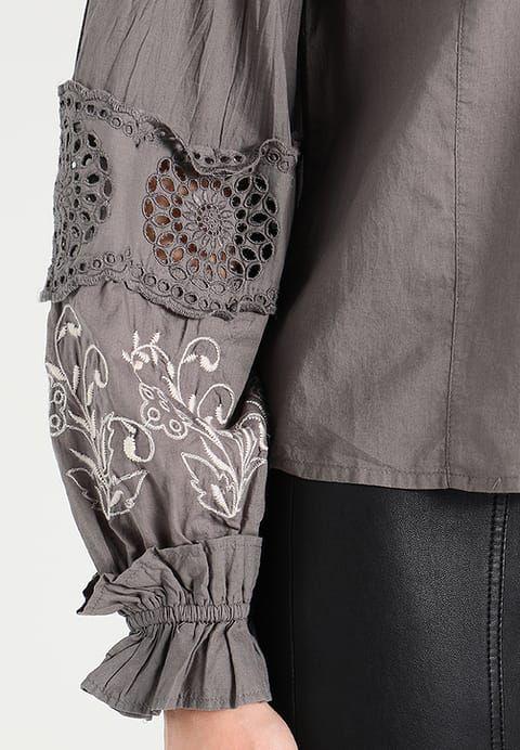 bestil New Look GRACE SHELL - Bluser - light grey til kr 187,00 (01-02-18). Køb hos Zalando og få gratis levering.