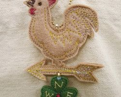 """beige weathercock and clover"" embroidered lucky charm Ⓒ HAPPa-Ya Nagako Ono  URL: http://happa-ya.net #clover #felting #weathercock #chicken #rooster #cock"