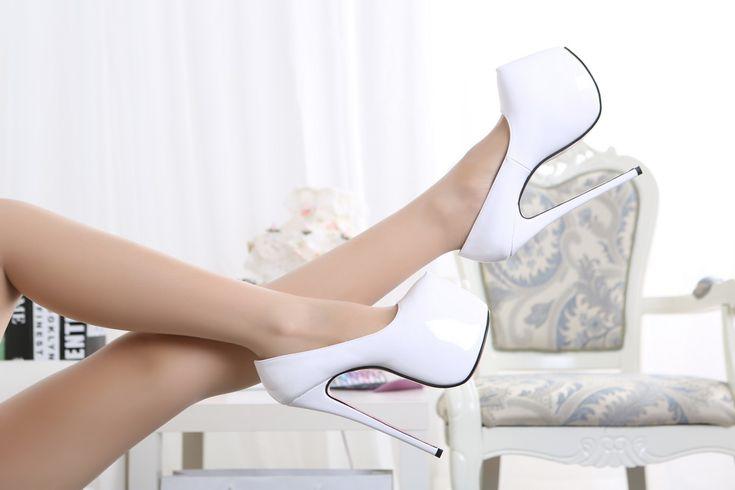 Aliexpress.com: Compre Novo 2014 cor Neon couro de patente plataforma mulheres bombas fundos vermelhos de salto alto sapatos de noiva 18 cm saltos altos Stilletos senhoras de confiança ovelhas sapatos fornecedores em Guangzhou Yaya Trading Co.,Ltd.