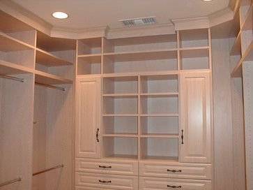 _Custom Closets contemporary closet