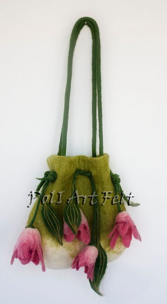 Memories of Summer perfectly complement your wardrobe! Bag of felt Tulips!  Height 35 cm  Length 30 cm  Handle length - 87 cm  100% handmade. Made of eco-friendly wool Bulgarian breed sheep. I dyed wool.