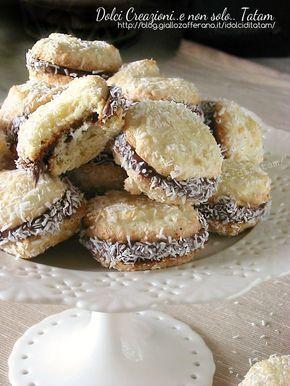 Biscotti al cocco farciti alla nutella