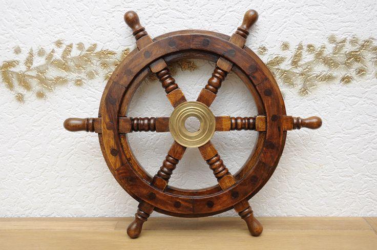 Schiffssteuerrad+aus+Holz+und+Messing.+33+cm.+von+picunique+auf+DaWanda.com