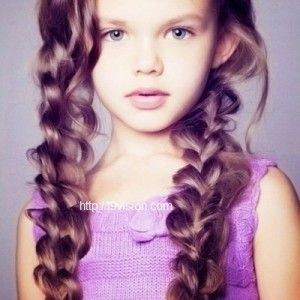 Cute Haircuts for Toddlers with Curly Hair-7