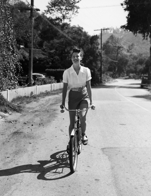 Ava Gardner on her trusty steedBicycles, Ava Gardner, Real Life, Vintage Bikes, White Shirts, Movie Stars, Old Bikes, Bikes Riding, Riding A Bikes