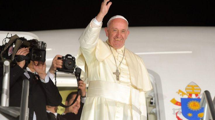 """Πάπας: Ο Τραμπ δεν """"είναι χριστιανός"""" -Tράμπ:Να εύχεσαι νάμαι πρόεδρος όταν κτυπήσει το ΙΚ"""