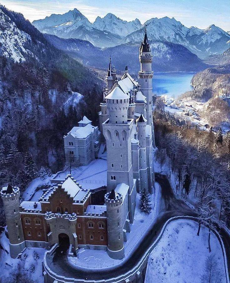 Снежный замок Нойшванштейн Бавария