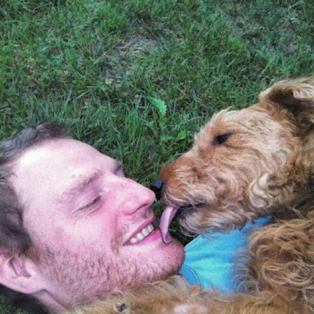 #Teddy grabs a #Kiss! :& #Kiso #Kuss #Kus #Beso #Bo #Baisar #Bacio #Halik #Polibek #Poljubac #Nsusu #Soen #吻 #चुंबन #قبلة #จุ๊บ #Φιλί #키스 #キス ~John Louis Adams