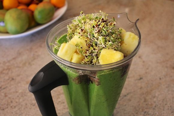 Broccoli Sprout Smoothie recipe that is actually sweet and delicious (dairy-free, vegan)