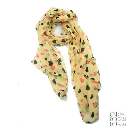 Lluvia de corazones!! Pañuelo de chiffon con corazoncillos de colores. www.552.com.py