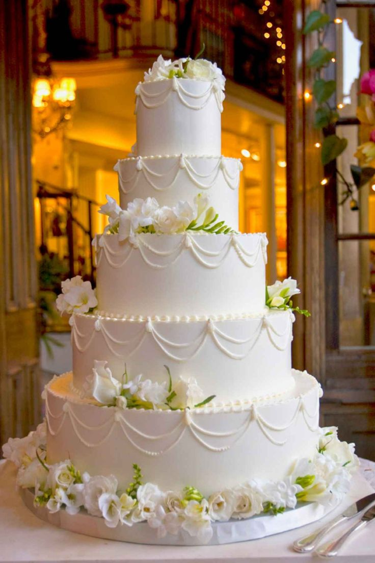 St John Usvi Wedding Cakes