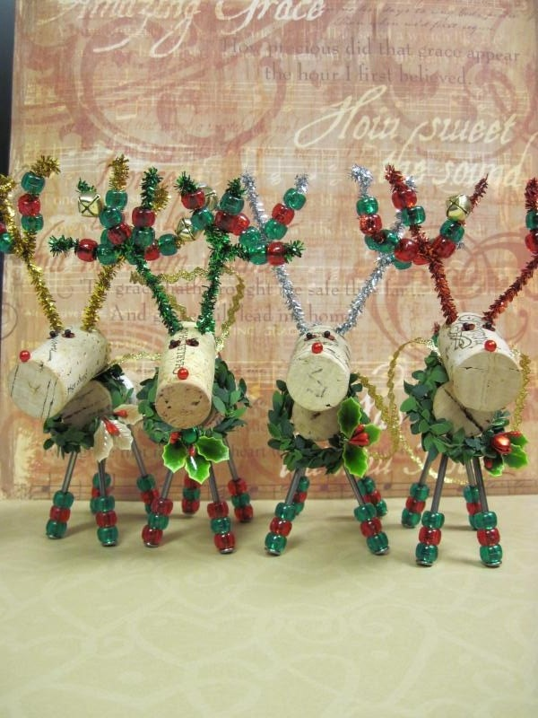 Adorable Christmas Wine Cork Reindeer Ornament via Etsy.