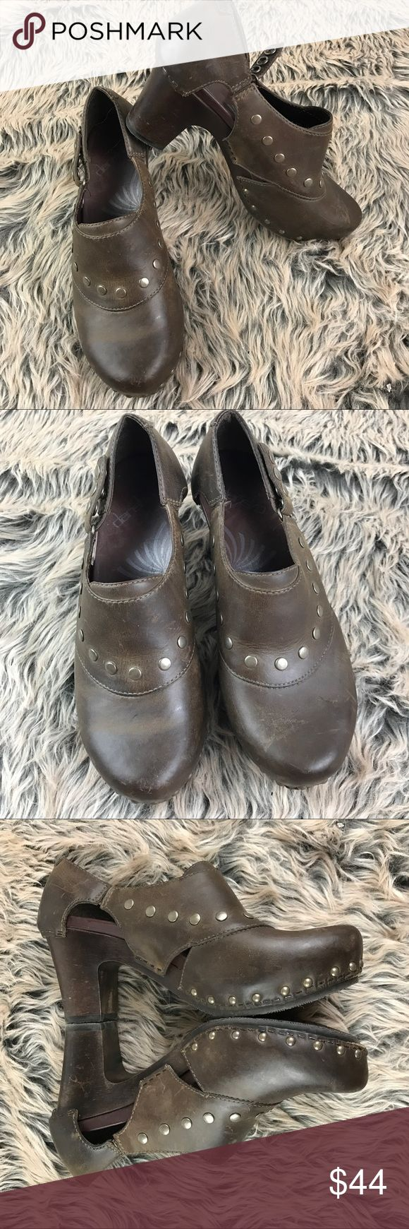 DANSKO Ryder Heeled Clogs Brown Leather Studded DANSKO 'Ryder' Heeled Clogs Brown Oiled Leather Studded US 7.5 8 EU 38 Women's   Beautiful shoes. Gently worn. Minor scuffs from wear. Tagged EU 38 which is the equivalent to a 7.5-8 US per Danskos website. Dansko Shoes Mules & Clogs