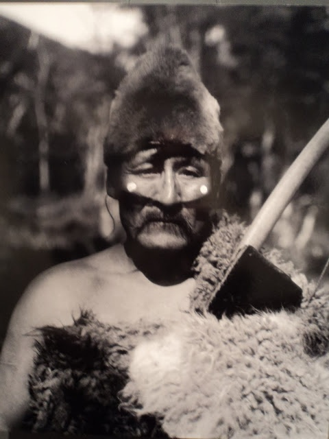 Halimink, assistant director of the Hain ceremony. Photo of Martin Gusinde, 1923.