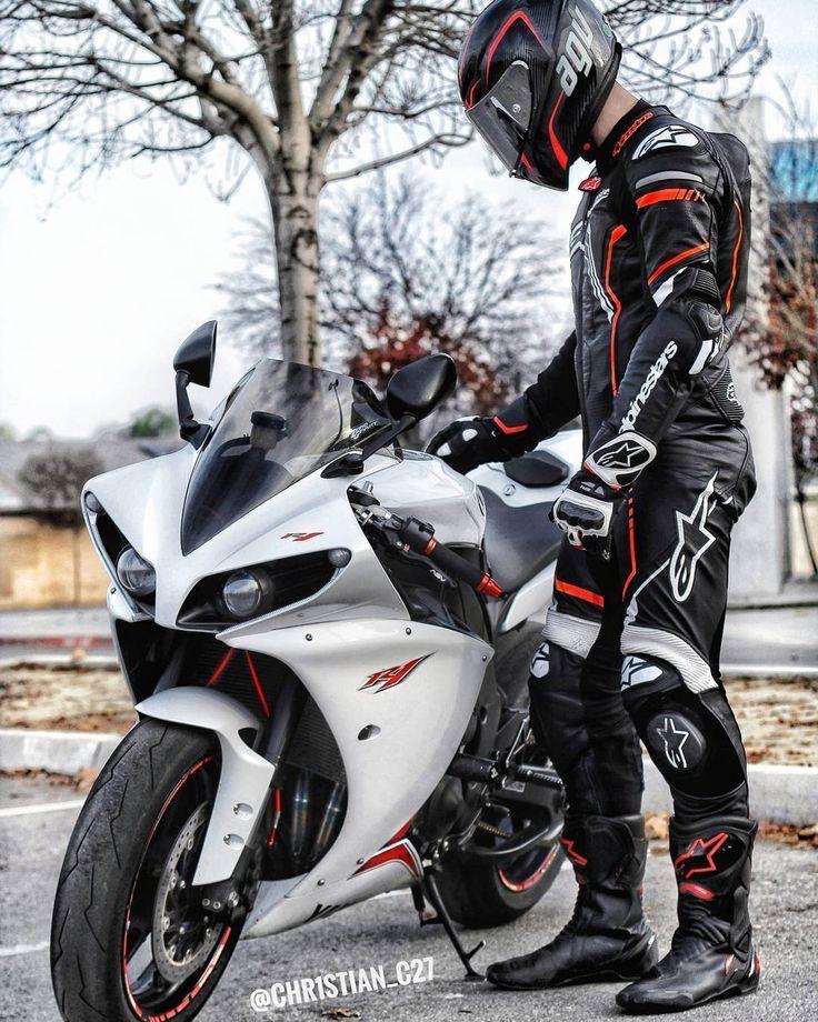 ʕ  ᴥ  ʔ Urania-Thyke ʕ  ᴥ  ʔ #Auto #Tapete #Schwarz #Motorräder  Auto u…