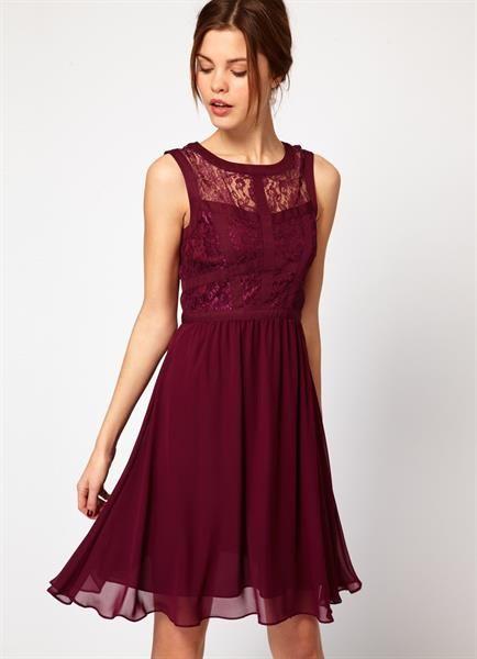 Платье под бордовые туфли