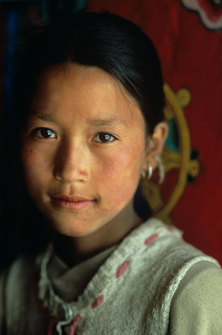 Manang, Nepal // by Steve McCurry