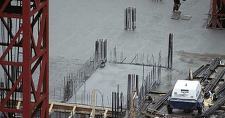 Lista de normas de pruebas de la ASTM. La Sociedad Americana para Pruebas y Materiales es una organización que establece normas voluntarias para una gran cantidad de herramientas, sustancias y servicios. Esencialmente, el grupo establece las normas de funcionamiento adecuadas y los parámetros bajo los cuales los materiales de construcción pueden funcionar, los servicios pueden ser ...