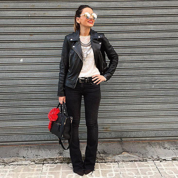 Feliz noches  chaqueta y bolso: #mango blusa y cinturon: #stradivarius jeans y pañuelo: #zara collar: #bershka gafas: @tiendaruta66 by mjose_ps