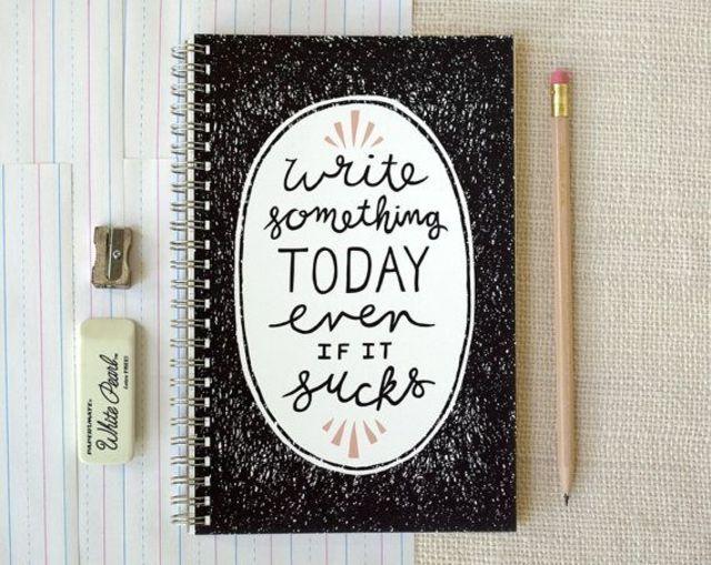 「4行日記」をご存知ですか?1日5分で続けられる自分磨きノートで新たな発見が♡メリット、例文や書き方のコツをご紹介しますね。