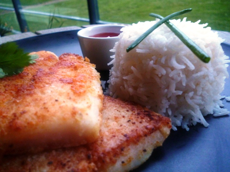 Crispy basa fish with steamed rice food me pinterest for Crispy baked whiting fish recipes