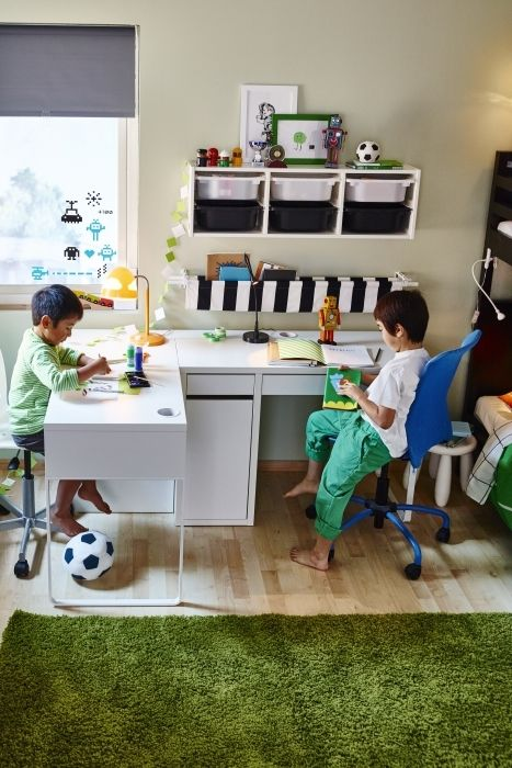 Kids sharing a room in even a small space can each have their own space to work with the slim MICKE desk. It's finished on the back so it looks great from all sides, making it easy to place it wherever it works best in the room.
