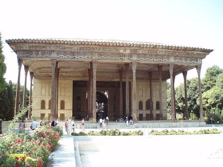 Файл:Chehel Sotun Palace.jpg