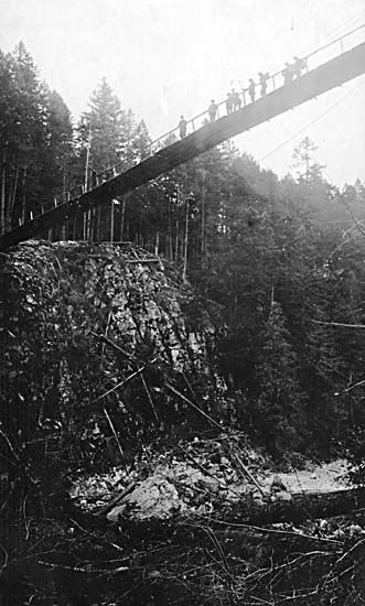 View of Capilano Suspension bridge (circa 1905)