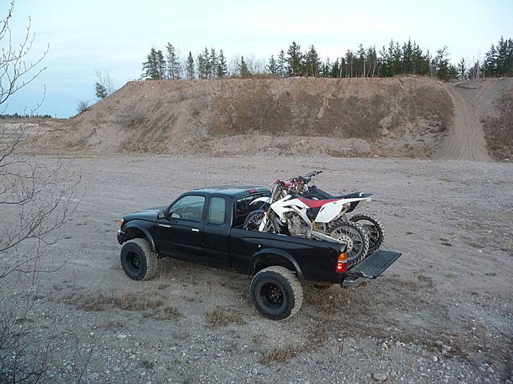1998 Lifted Toyota Tacoma w/ bikes. #awesome!