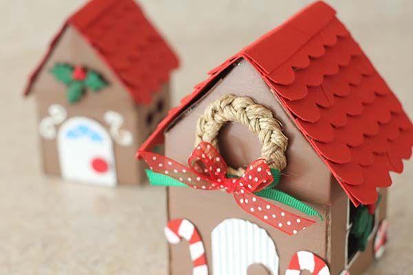 Casita de Jengibre que es la perfecta cajita para guardar dulces y galletas. Perfecta para tener una navidad muy dulce y hacer algo tu misma.