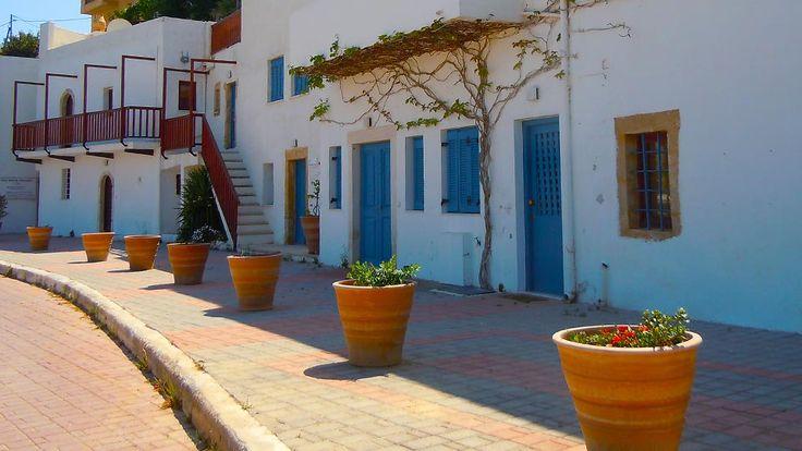A beautiful seaside village and a route that we suggest at this eastern part of Crete! http://cretazine.com/en/crete/travel-explore/island-routes/item/1931-makrigialos-peukoi-kapsa-monastery