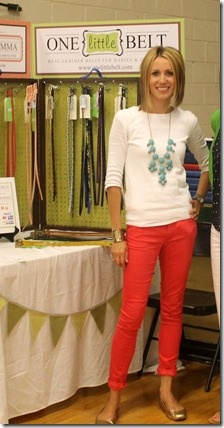 love the color of the pants, and necklace :)