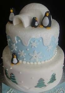 Ahhhh!!! Penguins!!! I want!!! Can one of my cake master friends PLEASE make this for me?!?!! :-)
