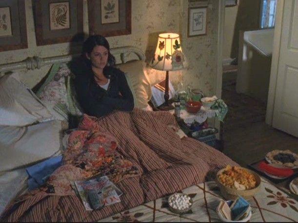 The Gilmore Girls -Lorelai's bedroom-overhead