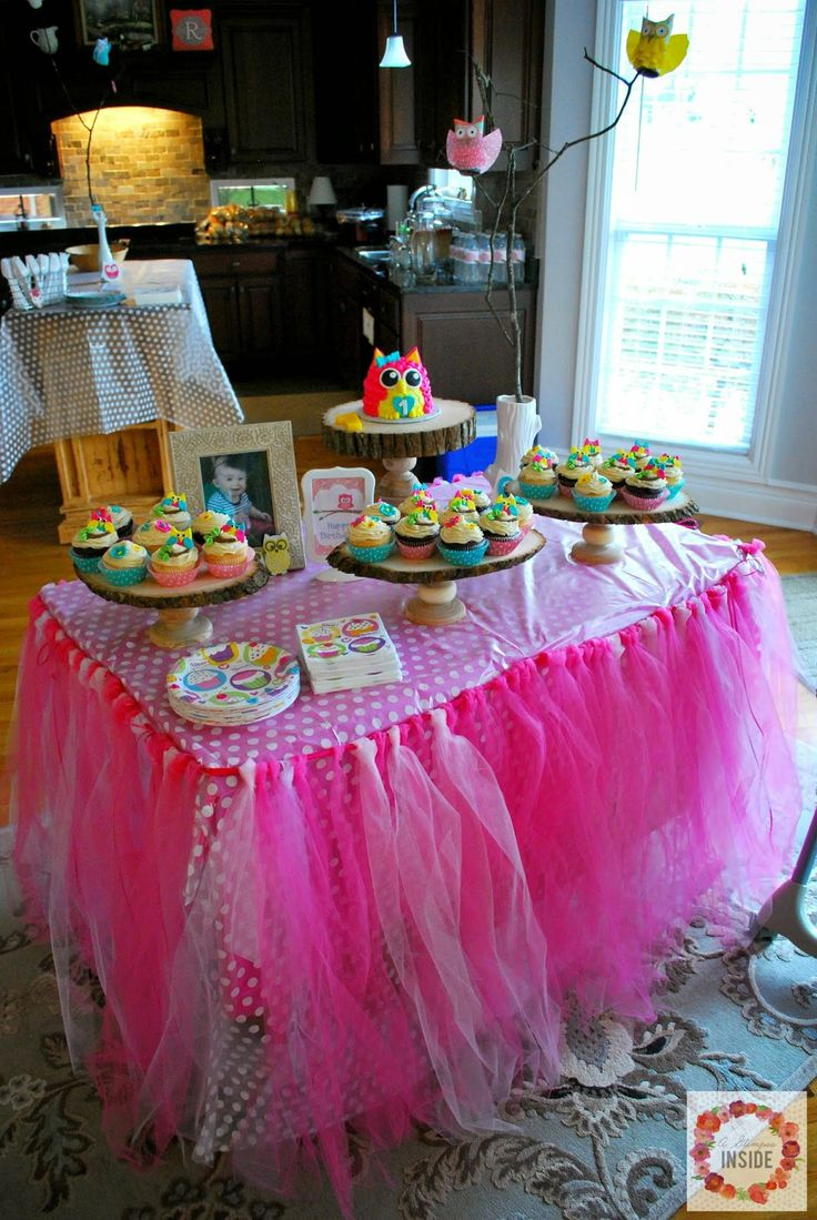 I love so many things about this party...the invitations, the tutu table skirt, the owl cake and cupcakes!!   A Glimpse Inside: Miss S' Owl Birthday Party Decorations
