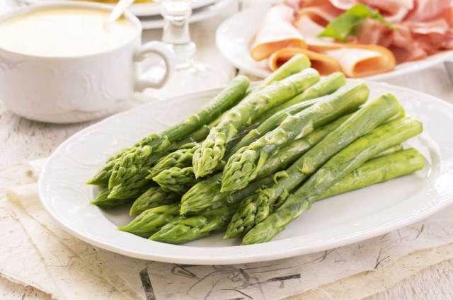 A spárga kitűnik kálium-, kalcium- és vastartalmával. A zöld spárga több C-vitamint és karotint tartalmaz, mint fehér testvére