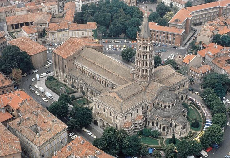 saint-sernin.png (1100×758)  Aerial view of Saint-Sernin (looking northwest), Toulouse, France, ca. 1070-1120.