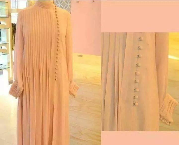 neckline,,,, Maryam Burhani's FB prof