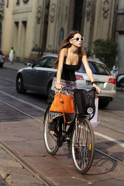 in style: Cycle Chic, Girls, Bicycles, Fashion, Bikes, Street Style, Bags